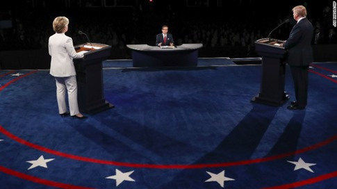 presidential debate hillary clinton rigged podium