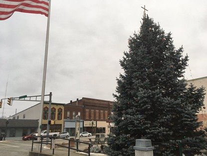 knightstown indiana christmas tree cross aclu